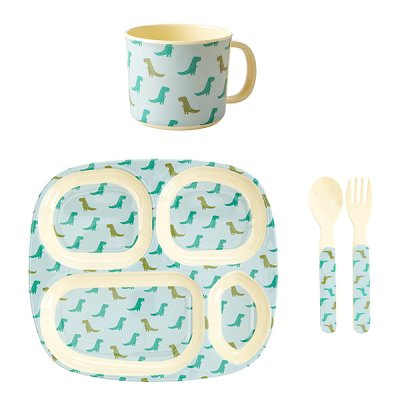 Baby dinner set dino print från Rice finns hos halloncollection.se